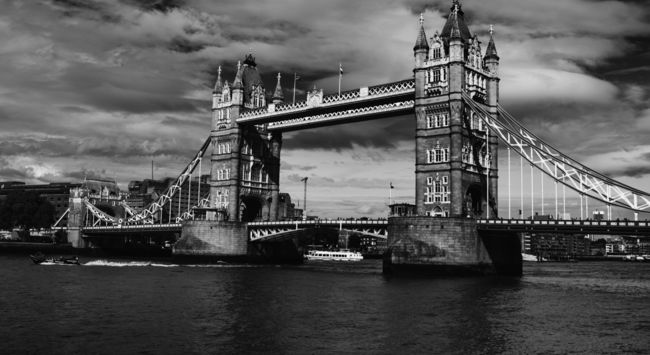 photo: TOWER BRIDGE